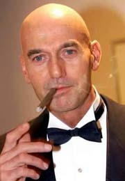 pim fortuyn with cigar