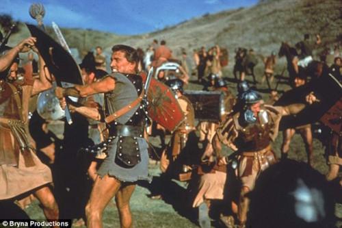 SpartacusKirkFightsRomans