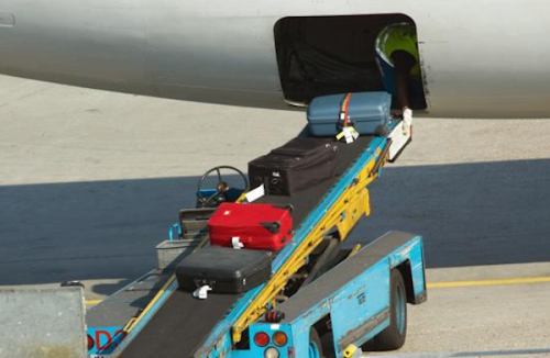 AirlinerBaggageLoading