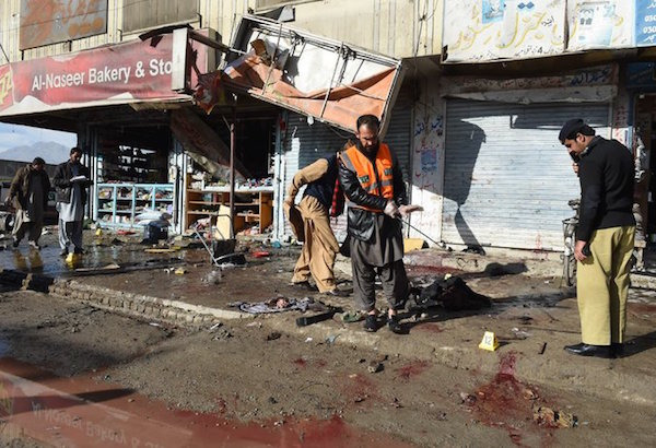 PakistanSuicideBombPolioCenterKills15