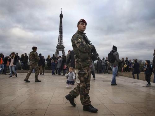 France Mounts More Than 2000 Raids in Response to Paris